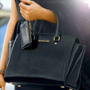 Michael Kors Selma large patent leather bag